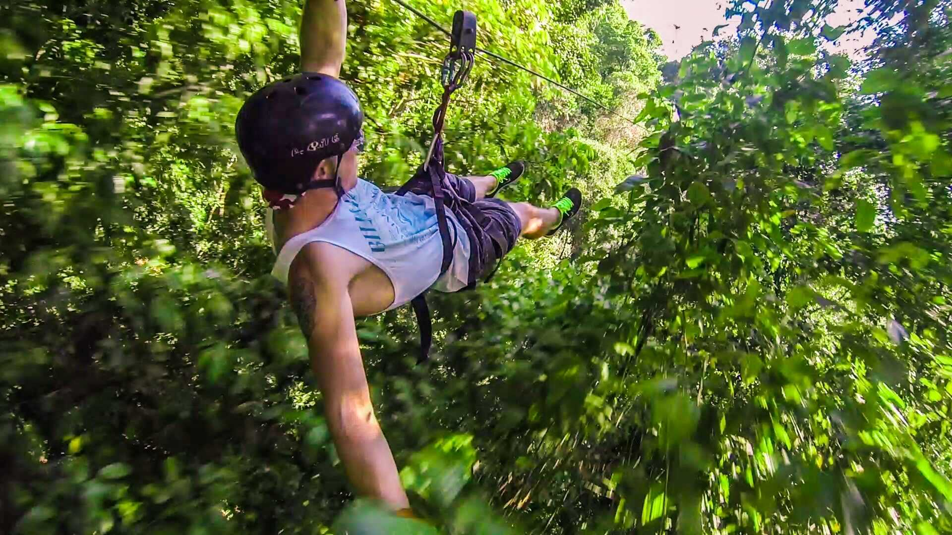 ZIPLINE - WHEN YOUR BODY AND MIND ARE FREE